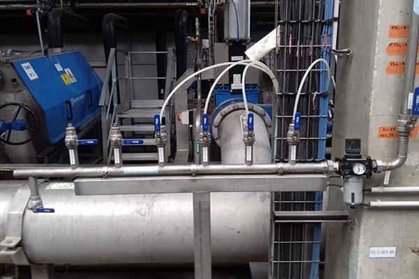 Rampe de lavage pour nettoyage de filtre d'assainissement.